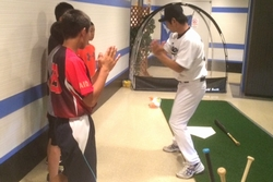 16_pb_battinglesson_sm_7.jpg